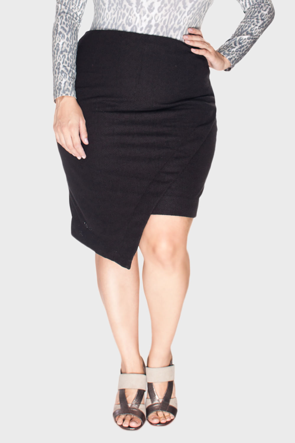 Saia-Camurca-Bordada-Plus-Size_T1