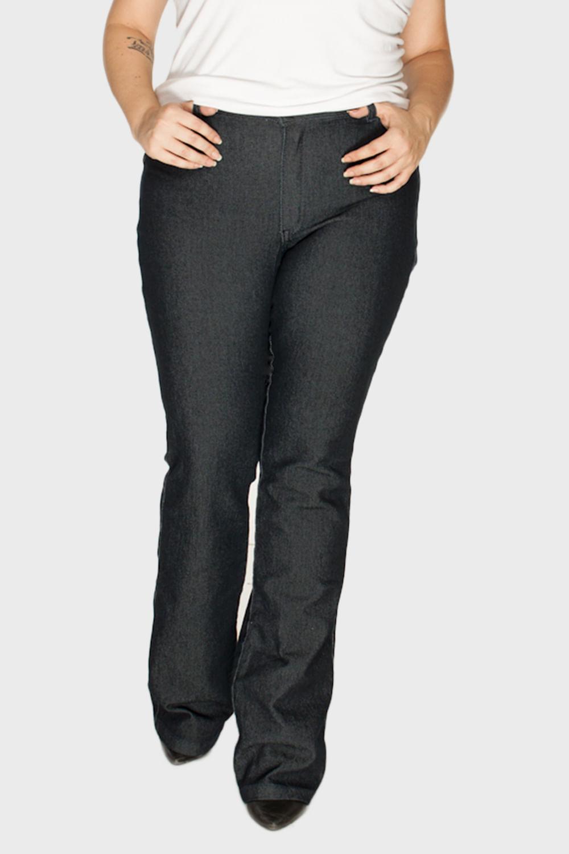 7c02772bd Calça Flare Básica Plus Size. Compre em até 6x sem - Flaminga